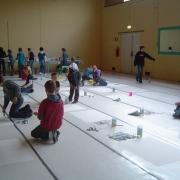 kinderen aan de slag met schilderen