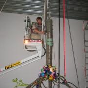 Remco in hoogwerker